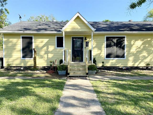 301 W Independence Avenue, League City, TX 77573 (MLS #94490437) :: The SOLD by George Team