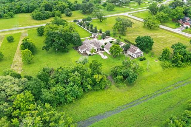 16718 Sun Valley Lane, Rosharon, TX 77583 (MLS #94626919) :: My BCS Home Real Estate Group
