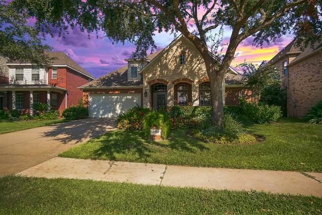 5910 Garden Hills Drive, Sugar Land, TX 77479 (MLS #94632556) :: The Heyl Group at Keller Williams