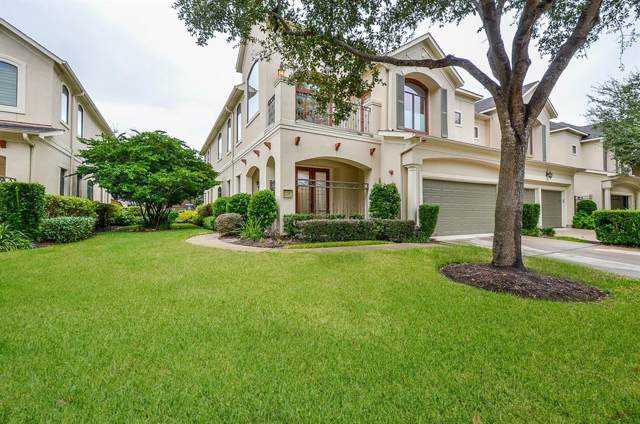 21 Sweetwater Court, Sugar Land, TX 77479 (MLS #94817238) :: The Parodi Team at Realty Associates