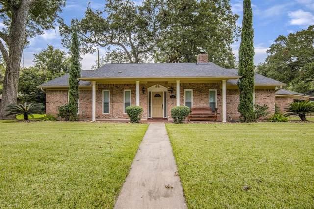 56 Willow Court, Lake Jackson, TX 77566 (MLS #94895759) :: The Jill Smith Team