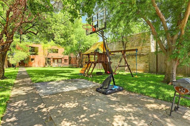 221 Emerson Street, Houston, TX 77006 (MLS #95000839) :: Christy Buck Team