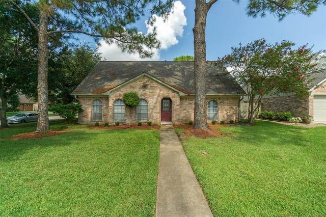 11914 Mulholland Drive, MEADOWS Place, TX 77477 (MLS #95089439) :: The Home Branch