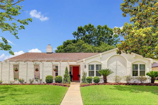 6130 Wigton Drive, Houston, TX 77096 (MLS #9511874) :: The SOLD by George Team