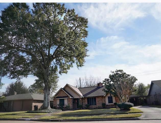 8330 Lettie Street, Houston, TX 77075 (MLS #95279415) :: Michele Harmon Team