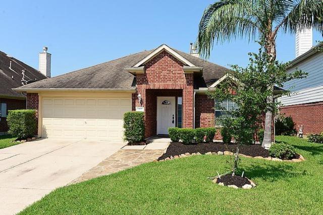 112 Rocky Cove Lane, Dickinson, TX 77539 (MLS #95365485) :: Texas Home Shop Realty