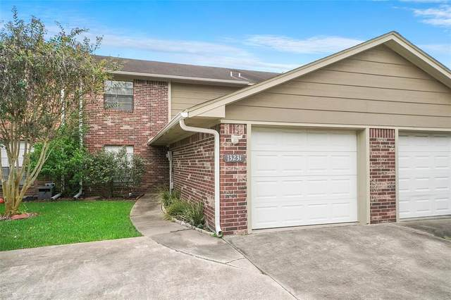 13231 Bluff View Drive, Willis, TX 77318 (MLS #95367705) :: The SOLD by George Team