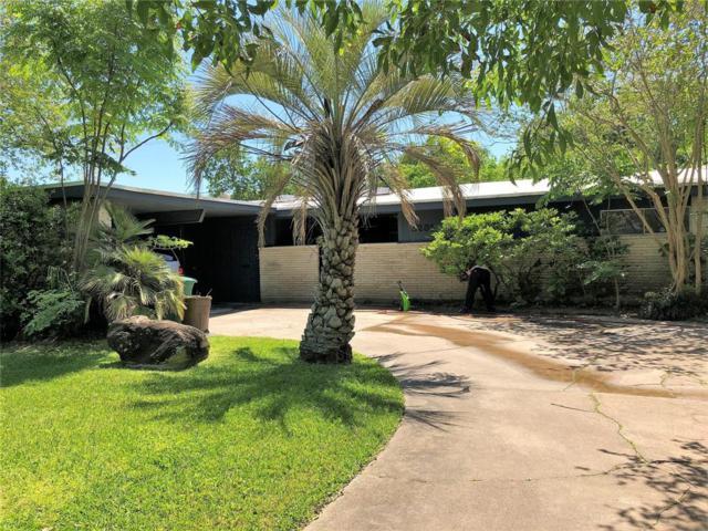 5235 Kingfisher Drive, Houston, TX 77035 (MLS #95477812) :: The Johnson Team