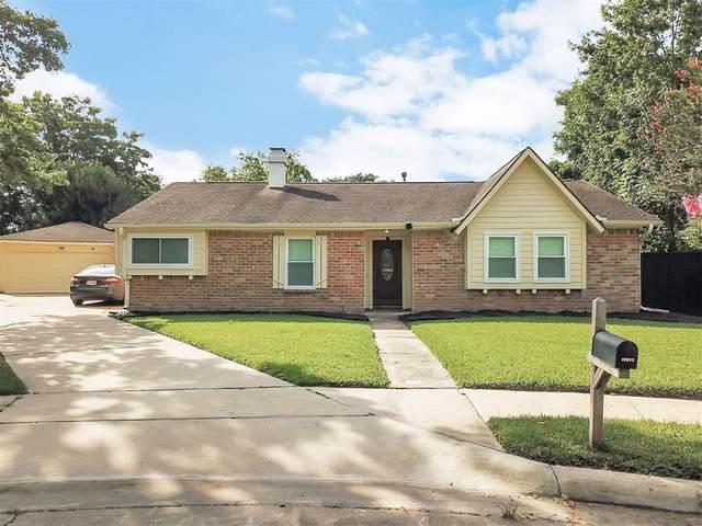 13907 Fawnbrake Drive, Sugar Land, TX 77498 (MLS #95537149) :: NewHomePrograms.com