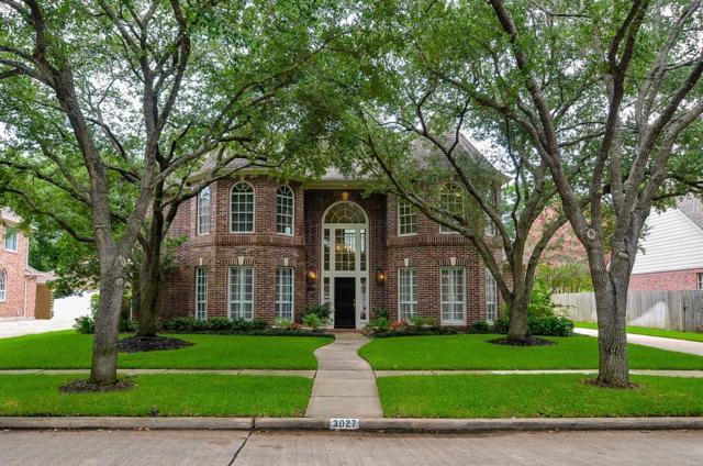 3027 Silent Spring Drive, Sugar Land, TX 77479 (MLS #95604635) :: The Parodi Team at Realty Associates