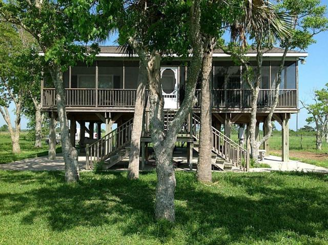 2001 W Bayshore, Anahuac, TX 77514 (MLS #95618076) :: The Jill Smith Team