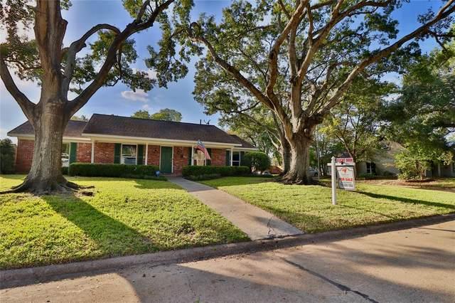 9302 Bintliff Drive, Houston, TX 77074 (MLS #95756092) :: The Freund Group