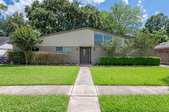 6219 Dumfries Drive, Houston, TX 77096 (MLS #9584580) :: The SOLD by George Team