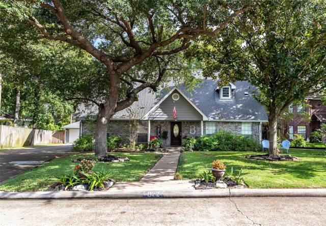 822 W Houston Street, Highlands, TX 77562 (MLS #95855450) :: The Parodi Team at Realty Associates