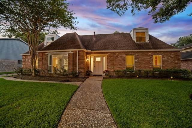919 Longview Drive, Sugar Land, TX 77478 (MLS #95911793) :: The Property Guys