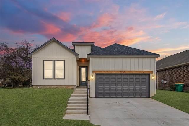 5055 Pleasure Lake Drive, Willis, TX 77318 (MLS #95981547) :: Area Pro Group Real Estate, LLC