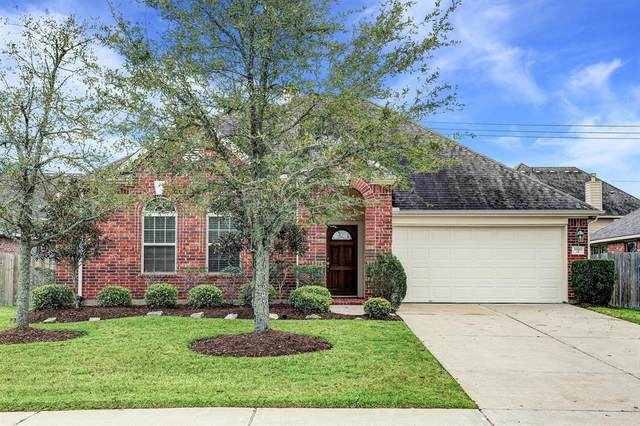3320 Cactus Heights Lane, Pearland, TX 77581 (MLS #96014331) :: Christy Buck Team