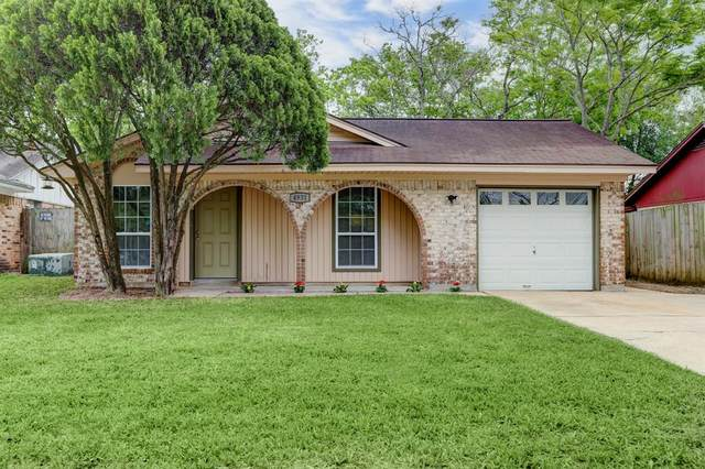 4931 Redfish Reef Drive, Bacliff, TX 77518 (MLS #96020033) :: My BCS Home Real Estate Group