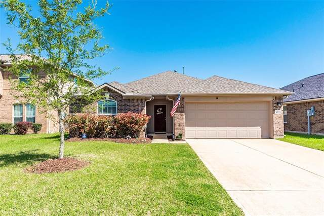 3020 Cambridge Meadows Lane, Dickinson, TX 77539 (MLS #96063985) :: The SOLD by George Team