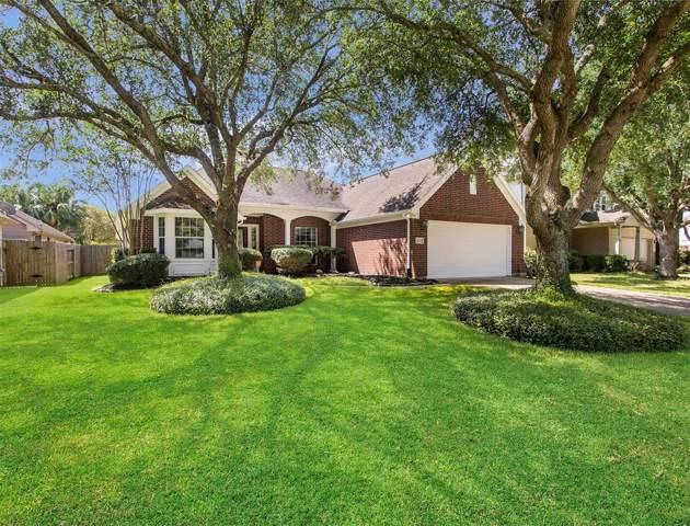 2132 Emerald Cove Drive, League City, TX 77573 (MLS #96073601) :: Rachel Lee Realtor