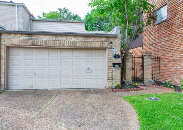 137 Phanturn Lane, Bellaire, TX 77401 (MLS #96134424) :: The Heyl Group at Keller Williams