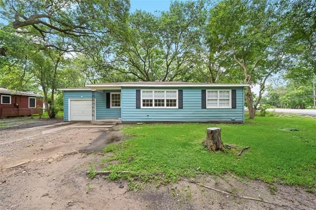 6737 E Bayou Drive, Hitchcock, TX 77563 (MLS #96322437) :: The Property Guys