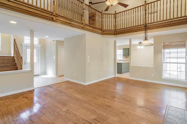 2 Amber Fire Place, The Woodlands, TX 77381 (MLS #96340063) :: Michele Harmon Team