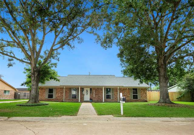 2303 Viola Drive, League City, TX 77573 (MLS #9647023) :: The Lugo Group
