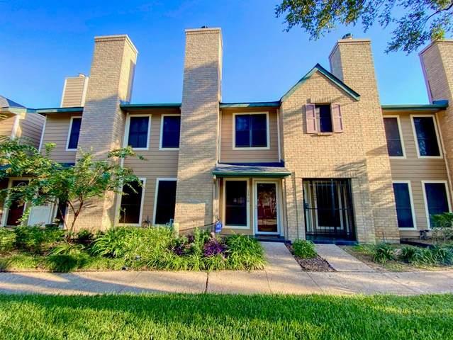 17806 Kings Park Lane #29, Houston, TX 77058 (MLS #9649443) :: Texas Home Shop Realty