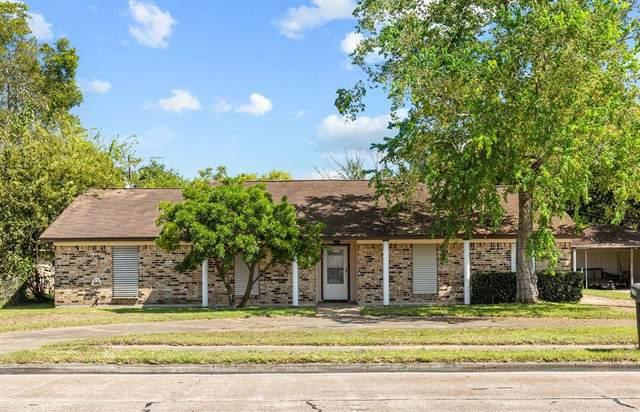 2707 Mustang Road, Alvin, TX 77511 (MLS #96617206) :: Rachel Lee Realtor
