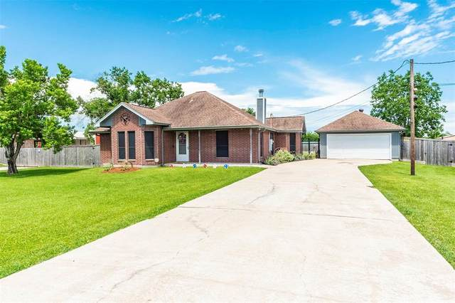 3603 Lone Pine Dr Drive, Santa Fe, TX 77510 (MLS #967020) :: Green Residential