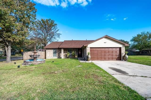 3406 Old Oaks Drive, Baytown, TX 77521 (MLS #96712950) :: Michele Harmon Team