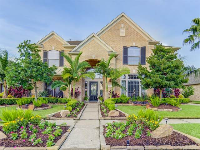 2221 Lake Cove Way, Seabrook, TX 77586 (MLS #96769026) :: Ellison Real Estate Team