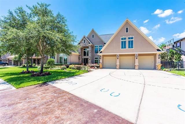 414 Hunters Lane, Friendswood, TX 77546 (MLS #9678086) :: The Parodi Team at Realty Associates