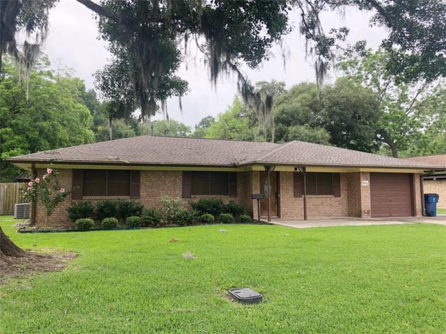 910 Avenue C, Sweeny, TX 77480 (MLS #96799846) :: The SOLD by George Team