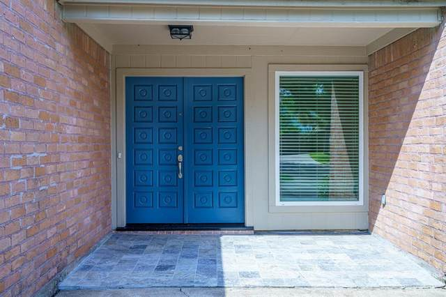 14106 Swiss Hill Drive, Houston, TX 77077 (MLS #9682779) :: Lerner Realty Solutions