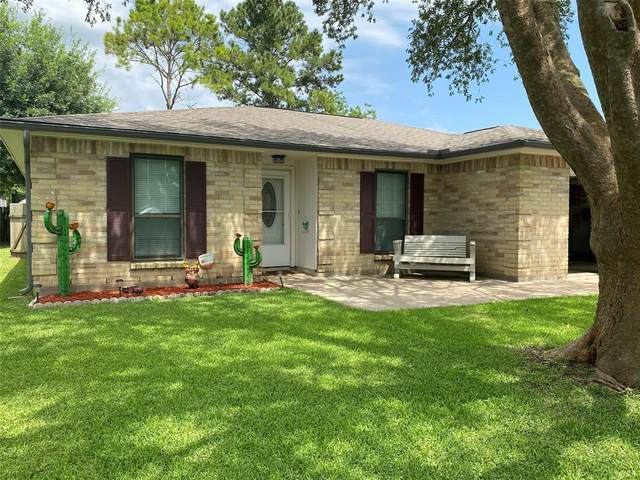 76 Ranch House Loop, Angleton, TX 77515 (MLS #96828219) :: The SOLD by George Team