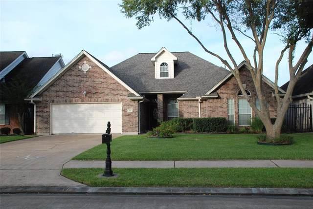 305 Friends Knoll Lane, Friendswood, TX 77546 (MLS #96832896) :: Texas Home Shop Realty