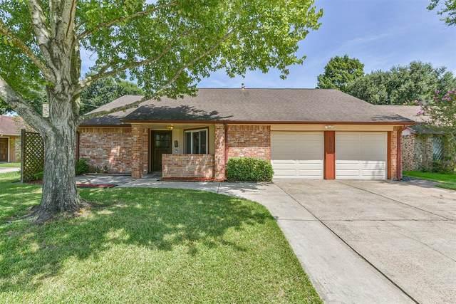 10919 Collingswood Drive, La Porte, TX 77571 (MLS #96865563) :: The Wendy Sherman Team