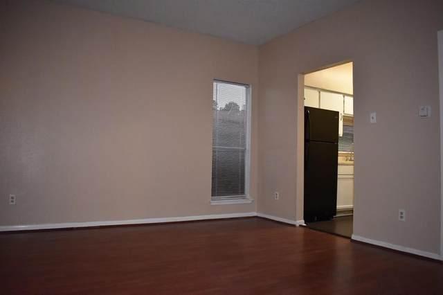 10855 Meadowglen Lane #702, Houston, TX 77042 (MLS #96892008) :: Caskey Realty