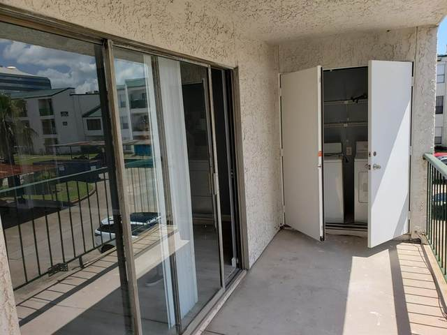 2830 S Bartell Drive #210, Houston, TX 77054 (MLS #96914174) :: The SOLD by George Team