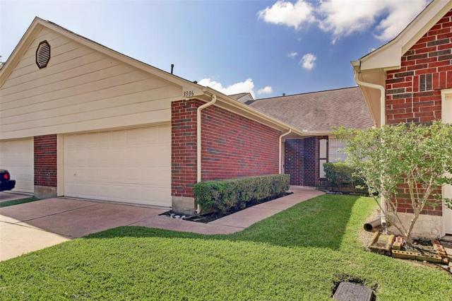 3306 Country Meadows Court, Pearland, TX 77584 (MLS #96986200) :: Christy Buck Team