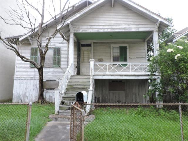 715 Post Office Street, Galveston, TX 77550 (MLS #97027098) :: The SOLD by George Team