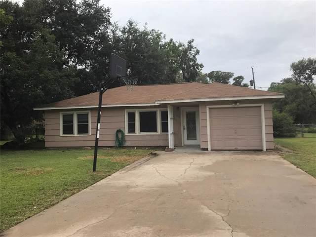 112 Laurel Street, Lake Jackson, TX 77566 (MLS #97032847) :: Caskey Realty
