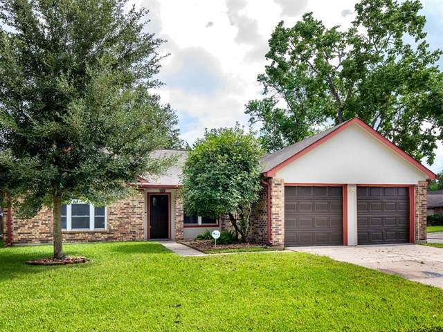 16919 Man O War Lane, Friendswood, TX 77546 (MLS #97194398) :: Christy Buck Team