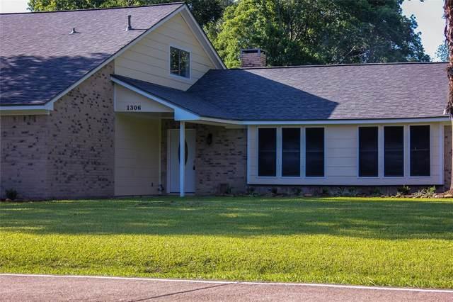 1306 W Stroker Road, Crosby, TX 77532 (MLS #97236669) :: The Heyl Group at Keller Williams