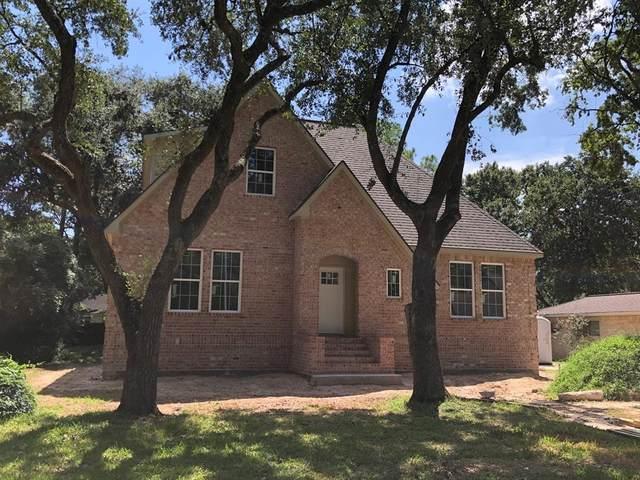 4110 Shady Springs Drive, Seabrook, TX 77586 (MLS #97315603) :: Rachel Lee Realtor