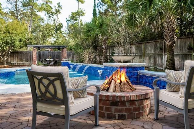15 Caulfield Court, The Woodlands, TX 77382 (MLS #97421087) :: Glenn Allen Properties