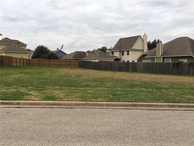 2704 Cypress Circle, Brenham, TX 77833 (MLS #9743502) :: TEXdot Realtors, Inc.