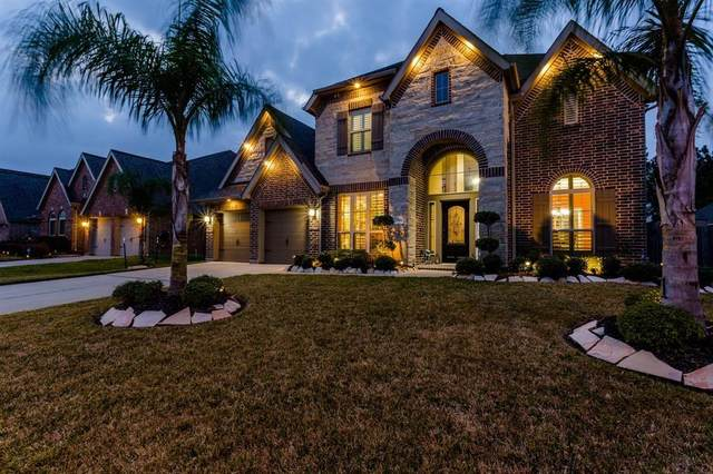 1904 Cayman Bend Lane, Pearland, TX 77584 (MLS #97446379) :: Christy Buck Team